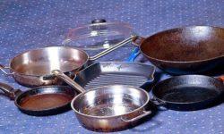Чистим сковородки